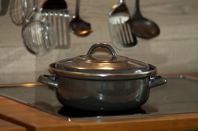 鍋や炊飯器など台所の不用品をまとめて回収